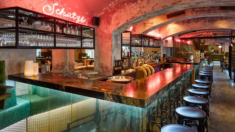 Die Bar Motto in Wien, mit Rain Forest Green Marmor von Breitwieser