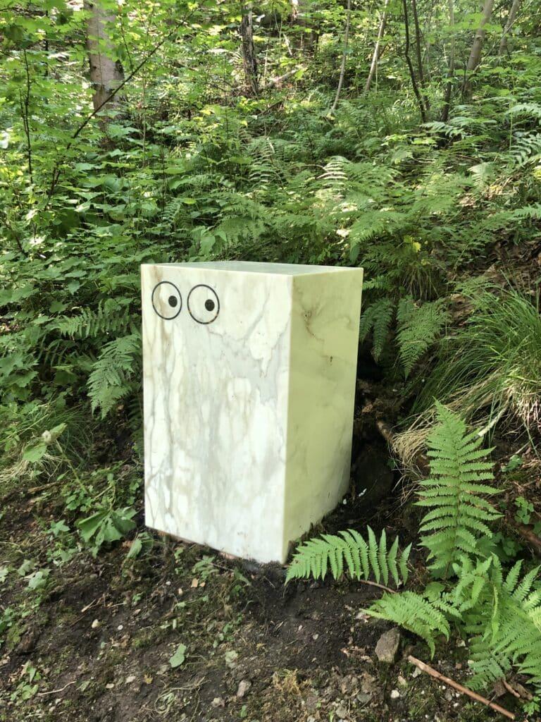 """Die Skulpturen """"Eternal Cubes"""" von Kay Walkowiak. Entstanden ist das Projekt aus der Kooperation mit dem Künstler, der Galerie Zeller van Almsick und Breitwieser. Verwendet wurde Statuario-Marmor, ein Klassiker aus dem großen Steinsortiment von Breitwieser."""